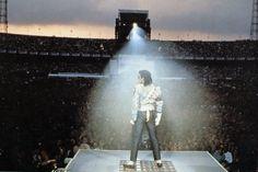 У Майкла за спиной - Страница 15 - Майкл Джексон - Форум