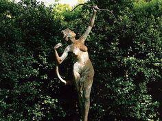 The Goddess Diana at Dianne Wallace's English country garden, Long Island, courtesy Oprah magazine via my favorite dream source and time-waster, Apt. Landscape Design, Garden Design, English Country Gardens, Fun At Work, Garden Ornaments, Garden Gates, Dream Garden, Rhode Island, Beautiful Gardens