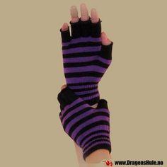 Et par hansker uten fingre. Går litt over håndleddet. Materiale: Laget av 75% akryl, 25% spandex. Onesize med god stretch, passer de aller, aller fleste.