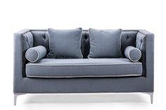 材质:松木+铜条+橡胶木脚  特点:    ● 清新的淡蓝色调,温馨浪漫。    ● 背部拉点双人座设计,坐垫厚实饱满,坐感舒适。    ● 美式风格,经典源远流长。  空间:客厅、餐厅、卧室、书房等。