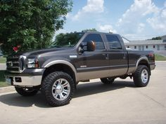 2005 F-250!! My dream truck!!! I'm a true country girl that needs an F-250!!