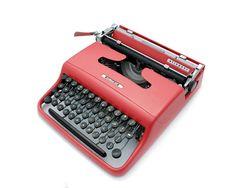 Olivetti Lettera 22 Typewriter - 1950s