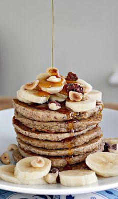 phoods:  (via Wholehearted Eats: Cozy Banana Bread Pancakes)