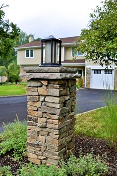 72 gorgeous front yard landscaping ideas - Entrance Property Landscaping Concepts Planning an entrance lawn is commonly about accessibility and invitation. We shell out barely any time in the front Diy Driveway, Brick Driveway, Driveway Entrance, Driveway Posts, Porch Pillars, Stone Pillars, Stone Steps, Front Yard Fence, Fenced In Yard