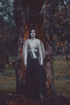 CAW by Rocio Montoya on Behance #portrait #ethereal