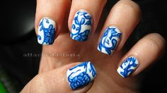Attackedastoria Nails: Ming vase design, take two..