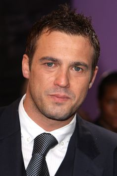 Jamie Lomas, known for his role of bad boy 'Warren Fox' on Channel 'Hollyoaks' Chesapeake Shores Hallmark, Cleft Chin, Tom Daley, Hollyoaks, Handsome Faces, New Star, Mature Men, Male Face, Good Looking Men