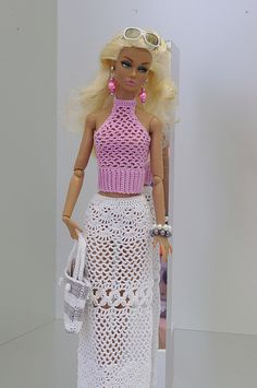 crochet swimming suit for barbie photos with free pattern Crochet Barbie Patterns, Crochet Doll Dress, Barbie Clothes Patterns, Crochet Barbie Clothes, Knitted Dolls, Dress Patterns, Dress Barbie, Barbie Top, Moda Barbie