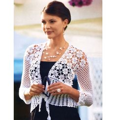 Open it aditi for much more. Stylish Easy Crochet: Crochet Bolero Pattern - Stylish And Easy Bolero For Women Crochet Bolero Pattern, Cardigan Au Crochet, Crochet Coat, Crochet Cardigan, Crochet Clothes, Cardigan Pattern, Crochet Patterns, Shrug Pattern, Top Pattern