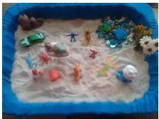 sand tray therapy--LOTS of information Mental Health Therapy, Mental Health Counseling, Counseling Psychology, Play Therapy Techniques, Therapy Tools, Therapy Ideas, Therapy Games, Therapy Activities, Elementary School Counseling