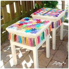 Atty's beautiful crochet covered stools. Lovely pops of colour to add to room or porch. For pattern and How-To Tutorial see: http://atty-s.blogspot.nl/2014/08/crochet-stool-cover-photo-tutorial_4.html and http://atty-s.blogspot.nl/2014/08/joined-flowers-tutorial.html