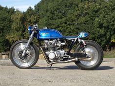 Honda CB500T Cafe Racer - Alonze Custom. Una Honda restaurada y personalizada en Reino Unido, llena de detalles y dejando una CB500 perfectamente hecha.