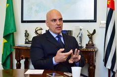 SÃO PAULO - O secretário estadual de Segurança Pública, Alexandre de Moraes, convocou uma coletiva n...