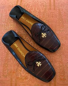 Mens Loafers Shoes, Heeled Loafers, Loafers For Women, Loafer Shoes, Women's Shoes Sandals, Lit Outfits, Defying Gravity, Women's Mules, Ralph Lauren Black Label