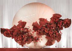 Round-shape pleating #NaMeawWedding #PHKAarchive . . #eventdesign #thaiwedding #bangkokwedding #flowerarrangement #flowerinstallation #floraldesign #flowerstyling photo cr.@minamiyuzawa