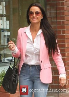 kyle richards goes shopping in 4712447