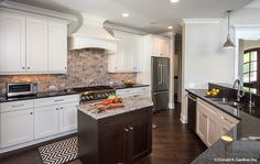 Designer kitchen from The Hartwell #1221.