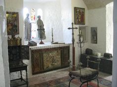 Bunratty Castle and Folk Park, Bunratty Picture: the private chapel in Bunratty castle  - Check out TripAdvisor members' 1,618 candid photos and videos of Bunratty Castle and Folk Park