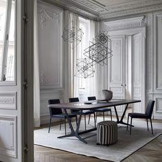 57 Totally Stunning And Modern Dining Room Design Ideas Luxury Dining Room, Dining Room Sets, Dining Room Design, Classic Interior, Home Interior Design, Jugendstil Design, Appartement Design, Modern Dining Chairs, Dining Tables