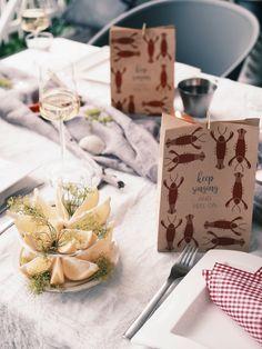 Kräftskiva - rapujuhlat kattaus Crawfish Party, Seafood Party, Food Displays, Event Styling, Food Presentation, Catering, Buffet, Good Food, Brunch