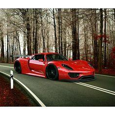 Red Porsche 918 Spyder