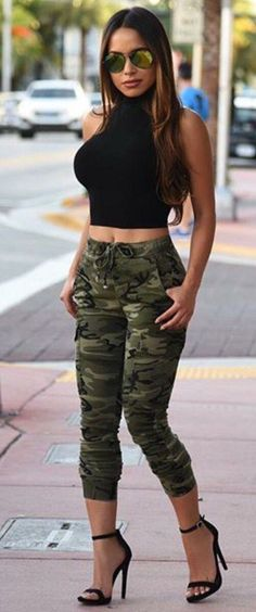 Pin de suly kz en outfits inspiracion en 2019 стиль милитари, шаравары y же Camo Outfits, Sexy Outfits, Casual Outfits, Fashion Outfits, Fashion Trends, Look Fashion, Girl Fashion, Womens Fashion, Elegantes Outfit Frau
