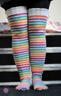 Hentsun helpot supersukat - LANKAHELVETTI Knitting For Kids, Knitting Projects, Baby Knitting, Knitting Patterns, Wool Socks, Knitting Socks, Crochet Slippers, Knit Or Crochet, Thigh High Socks