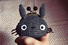 luckyblackcatsetsy:  thekawaiiod:  Totoro Purse by Sumire-Art  This is so cute