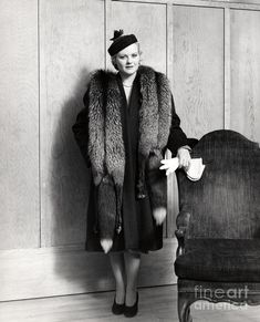 Chinchilla Coat, Fox Fur Coat, Jackets, Clothes, Vintage, Train, Women, Photography, Fashion