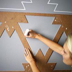 feature wall paint ideas the handy mano manomano mano mano stencil painting merkmal wandfarbe ideen die handliche mano manomano mano mano schablonenmalerei Creative Wall Painting, Diy Wall Painting, Creative Walls, Stencil Painting, Diy Wand, Easy Home Decor, Home Wall Decor, Painted Feature Wall, Mur Diy