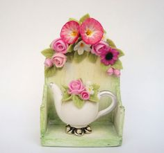 1/12TH scale  ROMANTIC SHELF AND MATCHING TEAPOT by Lory by 64tnt