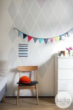 DIY painted Harlequin walls