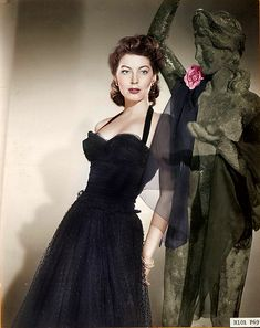 """Ava Gardner in """"Pandora and the Flying Dutchman"""" Hollywood Icons, Old Hollywood Glamour, Golden Age Of Hollywood, Vintage Hollywood, Hollywood Stars, Classic Hollywood, Hollywood Actresses, Vintage Tv, Vintage Photos"""