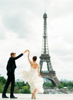 14 Stunning Paris Wedding and engagement images – Page 6 of 13 – Cute Wedding Ideas Parisian Wedding, French Wedding, Dream Wedding, Wedding Blog, Lace Wedding, Paris Engagement Photos, Engagement Images, Cute Wedding Ideas, Wedding Pictures
