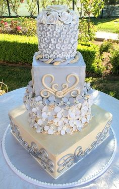pale blue and ivory / cream colored cake