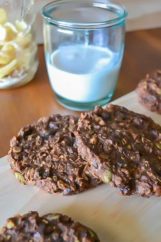 Gluten-free, Oil-free, #vegan #Chocolate Everything Cookies from An Unrefined Vegan.