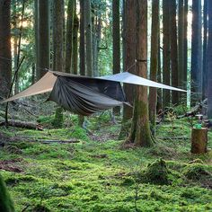 RV And Camping. Great Ideas To Think About Before Your Camping Trip. For many, camping provides a relaxing way to reconnect with the natural world. If camping is something that you want to do, then you need to have some idea Family Camping, Camping Gear, Camping Hacks, Outdoor Camping, Rain Camping, Motorcycle Camping, Bushcraft Camping, Camping Style, Camping Guide