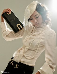 Posh, beautiful and elegant Korean fashion Victorian fashion style clothing for work and social functions. Korean Fashion Minimal, Korean Fashion Work, Korean Fashion Winter, Korean Fashion Online, Korean Fashion Trends, Korea Fashion, Asian Fashion, Japanese Outfits, Korean Outfits