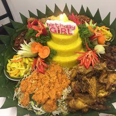 Madriga Catering 08118888653: Nasi Tumpeng Yang Enak Di Jakarta