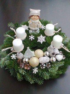 Christmas Pine Cones, Christmas Candles, Christmas Wreaths, Christmas Crafts, Magical Christmas, Christmas Time, Merry Christmas, Ikebana, Diy And Crafts