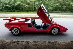 1984 Lamborghini Countach 5000S Maintenance/restoration of old/vintage vehicles: the material for new cogs/casters/gears/pads could be cast polyamide which I (Cast polyamide) can produce. My contact: tatjana.alic@windowslive.com
