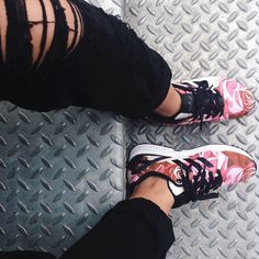2014 cheap nike shoes for sale info collection off big discount.New nike roshe run,lebron james shoes,authentic jordans and nike foamposites 2014 online. Cute Shoes, Me Too Shoes, Crazy Shoes, Adidas Shoes Outlet, Sneaker Boots, Dress To Impress, Shoe Boots, Celebrity Style, Kicks