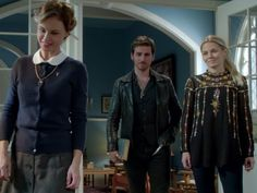 Emma Swan's PLUMETIS TUNIC on Once Upon A Time