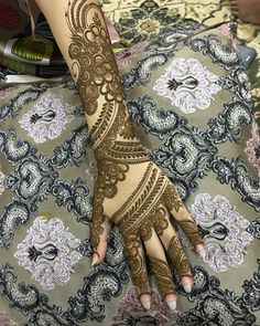 Latest Amazing Mehndi Designs For Parties Hello Guys! here you will see Latest Mehndi Designs with Amazing Patterns for your Hands and. Full Mehndi Designs, Henna Hand Designs, Indian Henna Designs, Floral Henna Designs, Mehndi Designs Feet, Mehndi Design Pictures, Dulhan Mehndi Designs, Mehndi Images, Tattoo Designs