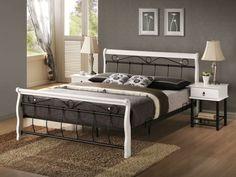 Venecja D Ágykeret 160cm Fekete A Venecja D ágykeret ideális választás, ha egy különleges szépséggel rendelkező darabon szeretnéd álomra hajtani a fejed. Kiváló minőségű malajziai fából készült, fehér színű elemeit remekül kiegészítik a fekete, fém berakások. Egyedi megjelenésének köszönhetően a modern, valamint a klasszikus stílusban berendezett otthonokban is remekül helytáll. Fekete-fehér színkombinációjának hála nagyszerűen kombinálható a világosabb, illetve az élénkebb bútorokkal is…