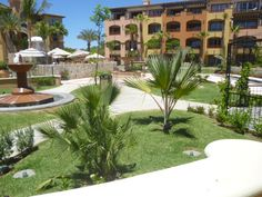 Jogging around the gardens of Hacienda del Mar!