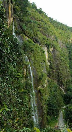 Air Terjun Lembah Harau Minangkabau, Waterfalls, Natural Beauty, Around The Worlds, Van, In This Moment, Paris, Country, Nature