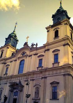 Literatura, przegląd prasy, życie codzienne, psychologia, Warszawa: Bazylika Świętego Krzyża w Warszawie