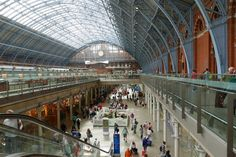 St Pancras International Station, London Kings Cross N1C is a great place to shop and explore