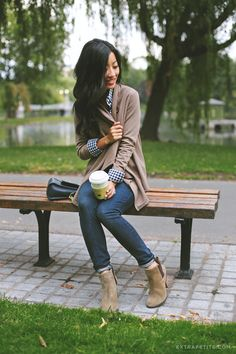 ExtraPetite.com - Casual fall: Taupe and gingham at Boston Public Garden - Love the boots